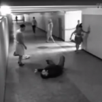 【女なめんなよ?】引ったくりの顔面に綺麗な回し蹴りを炸裂する女性