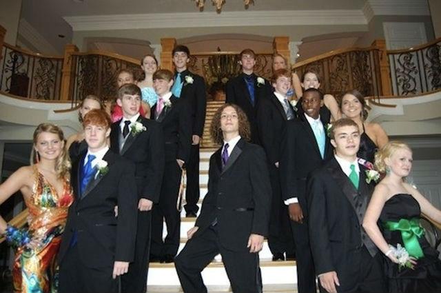 embarrassingly-awkward-school-dance-photos-yes-4