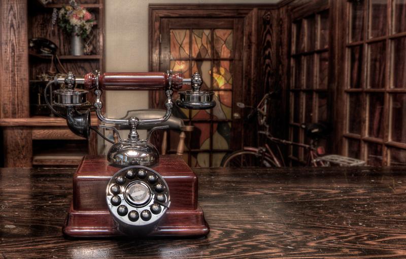 Ali-Elhajj_The-Old-Telephone