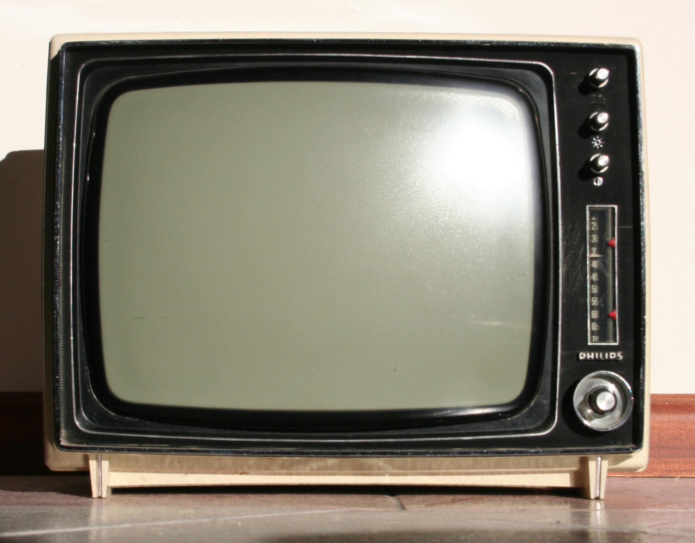 old_television_by_noisecult