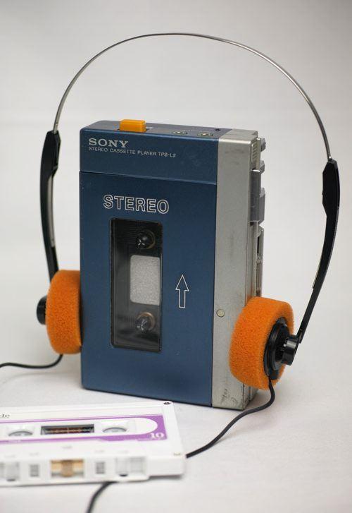 iPod_Walkman_A_05