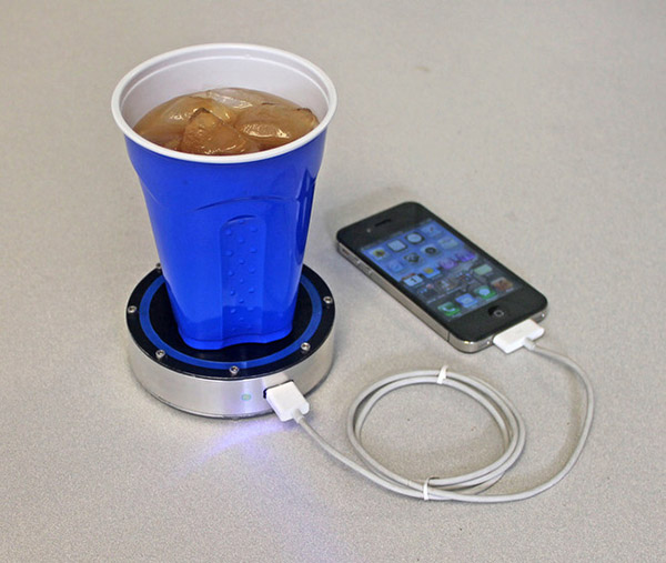 p2fno-11-A-charger-that-uses-heat-or-cold-to-charge-your-phone