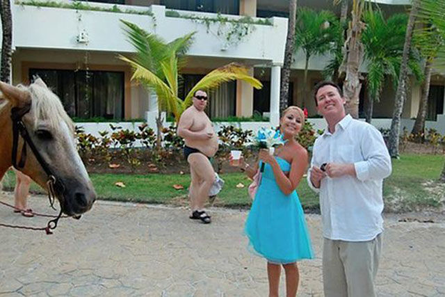 because_photobombs_are_always_funny_640_17