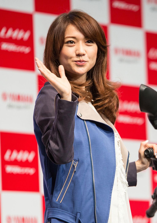 Yūko_Ōshima_at_Yamaha_Tricity_launching_event,_July_1,_2014