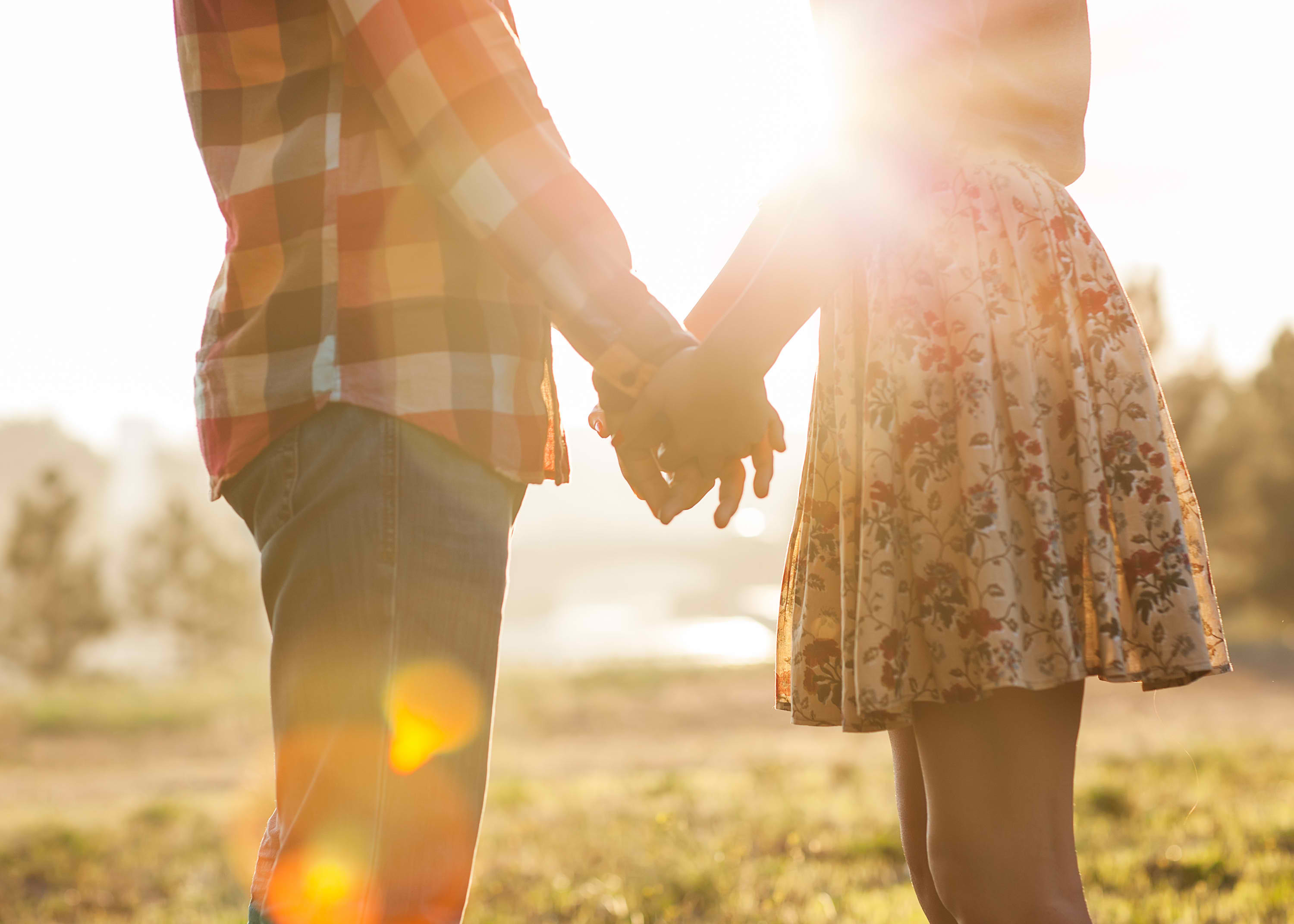 couple-cover-image-holding-hands