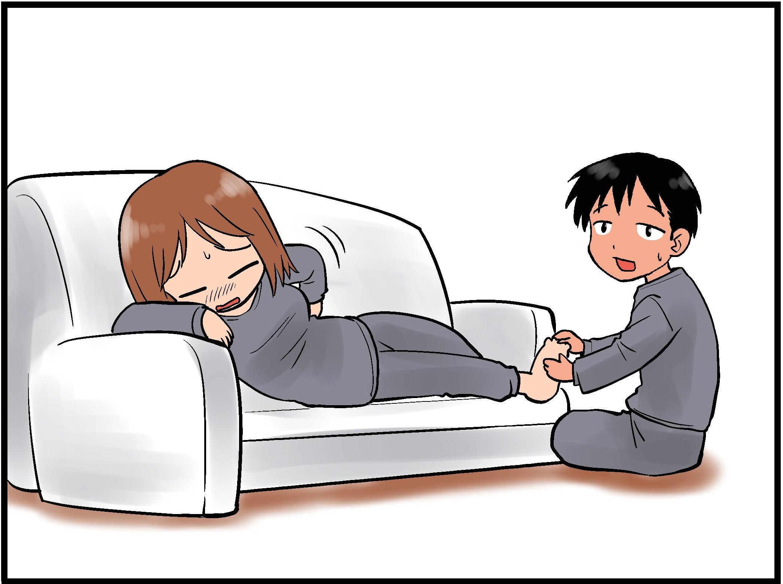 妊婦あるあるの「足が超むくむ。腰も痛い」のイラスト