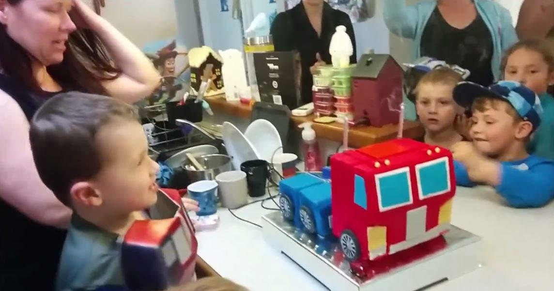トランスフォーマー ケーキ1