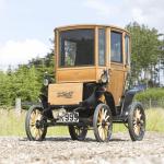 【新車より高価?】110年前のヴィンテージ電気自動車が1千万円以上で落札!