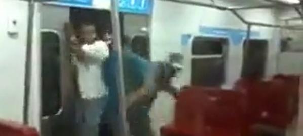【人がゴミのようだ】ベネズエラの電車がもはや戦場