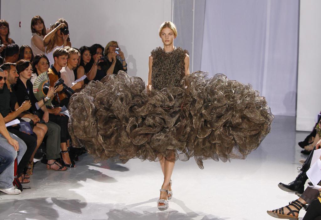 鳥の巣のようなファッション