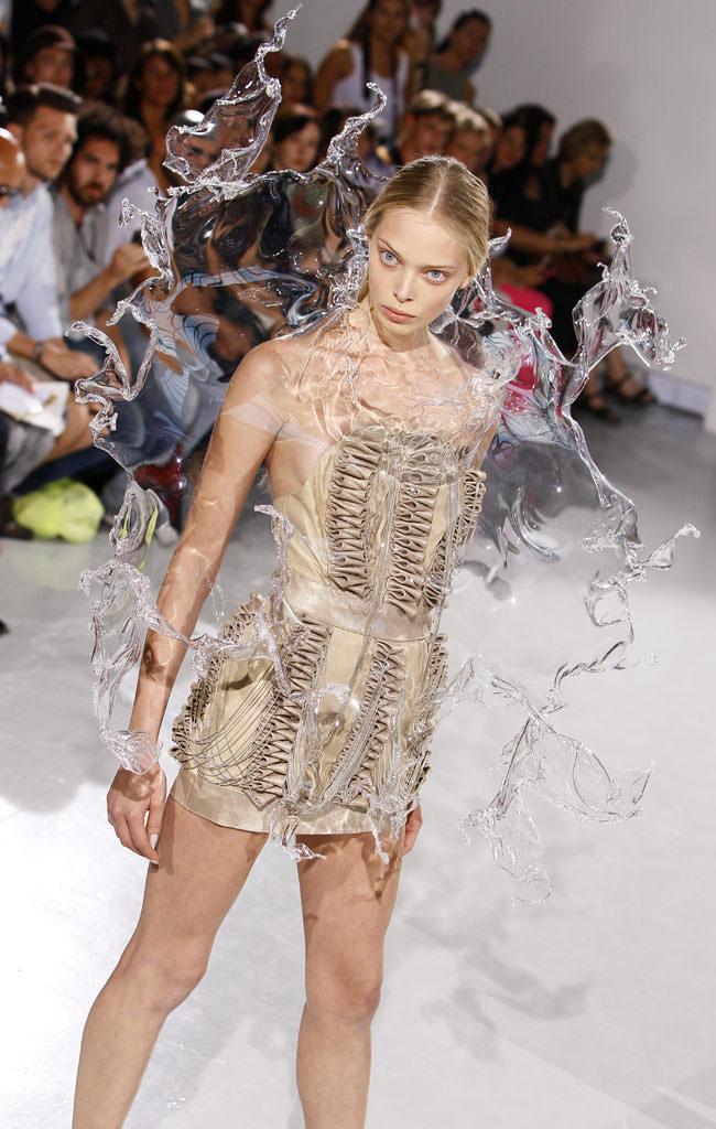 水のようなファッション