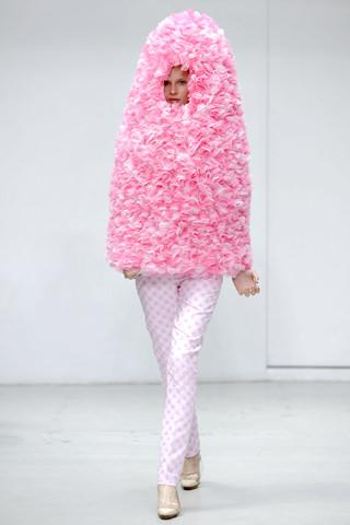 ピンク色のファッション