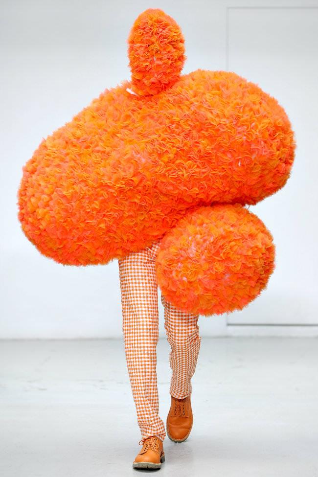 オレンジ色のファッション