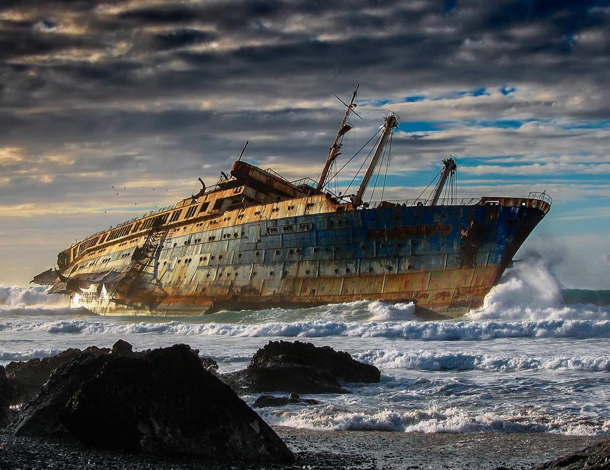 スペインのカナリア諸島にあるアメリカの難破船
