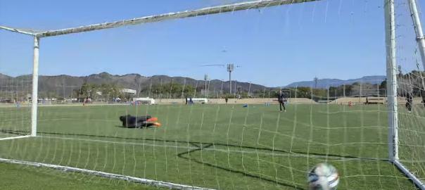 曲がりすぎ!プロサッカー選手がキャプテン翼のカミソリシュートを再現