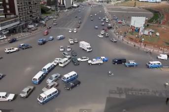 【なぜか信号がない】エチオピアの交差点でなぜか事故が起こらない