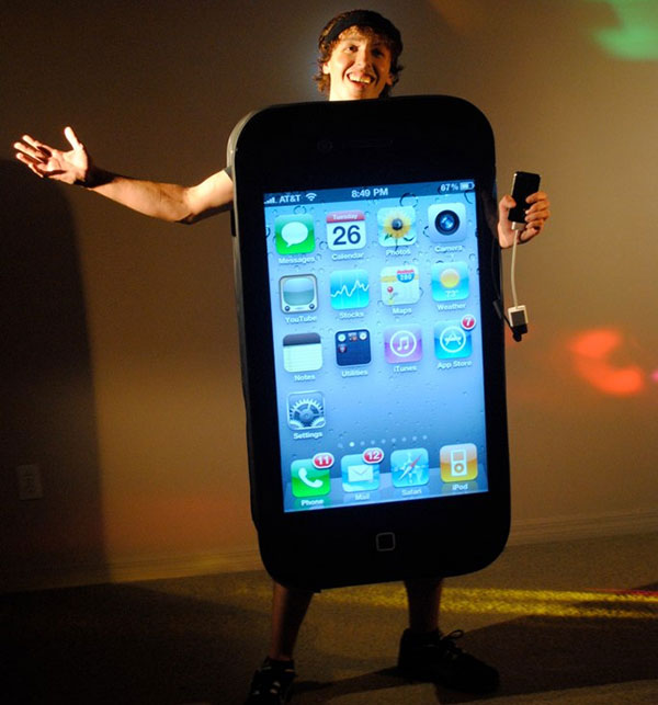 iphone-4-costume