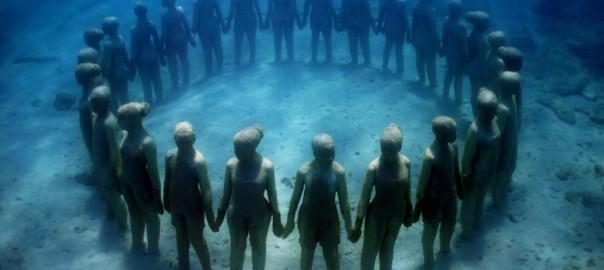 海底に沈む美術館「MUSA」が魅せる神秘的な世界