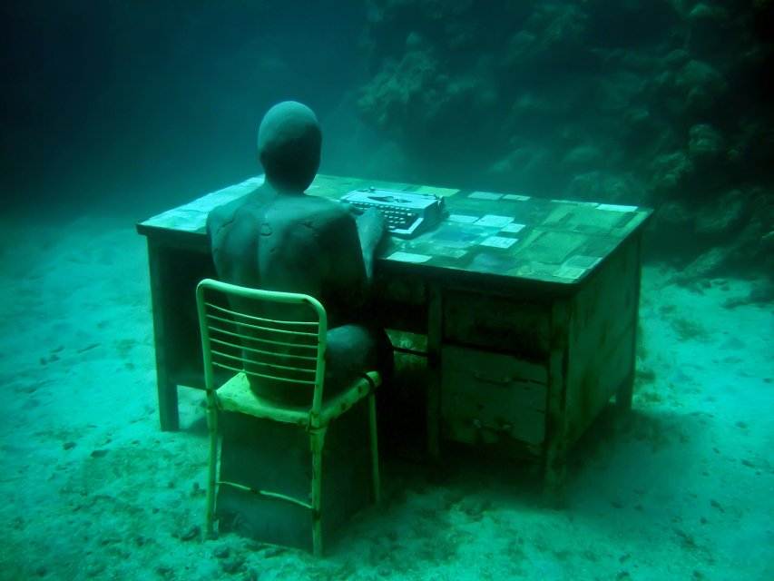 18-overview-lost-correspondent-grenada-jason-decaires-taylor-sculpture
