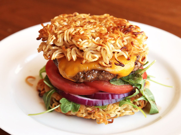20130909-ramen-hacks-new-burger-03-1500px-thumb-610x457-351452