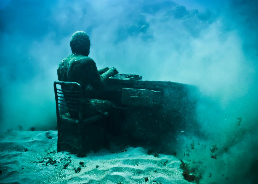 33-overview-lost-correspondent-grenada-jason-decaires-taylor-sculpture