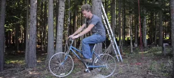 【斬新な使い方】森の中の不思議な自転車