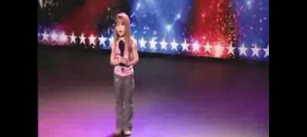 6歳の少女が天使の歌声を披露。何故か引き込まれる不思議な歌とは?