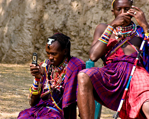 african-people-mobile-phone