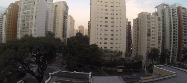 W杯でブラジル代表が得点を決めたとき、ブラジルの住宅街はこうなっている