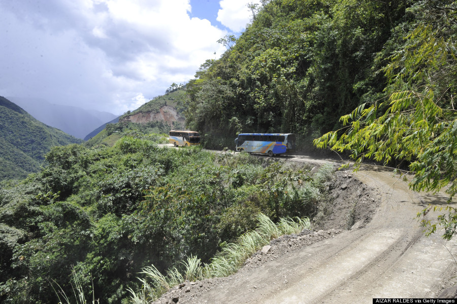 """Buses drive along the """"death road"""" --one"""