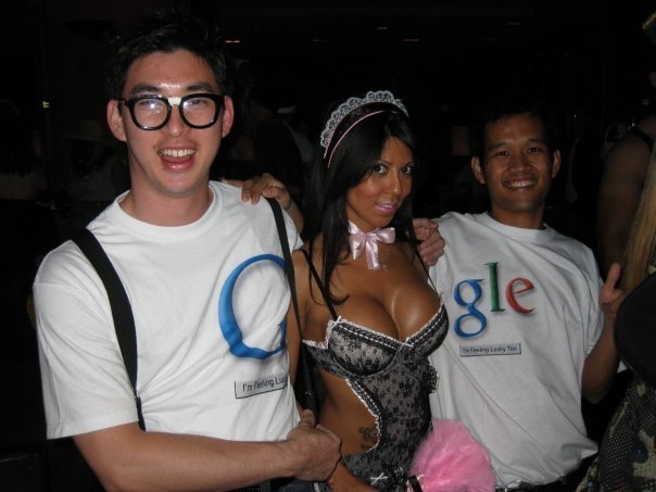 Best-Google-Halloween-Costume-Ever-full