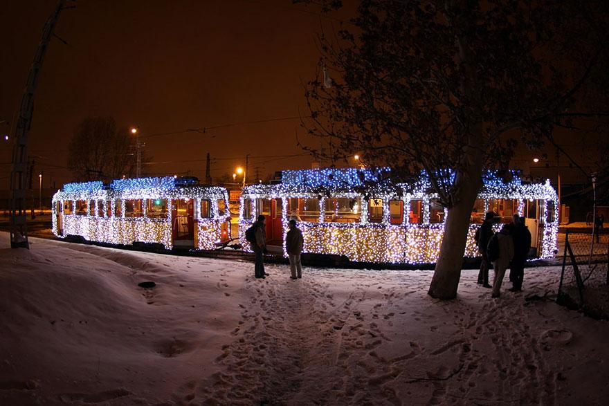 budapest-christmas-tram-10