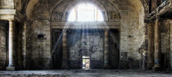 一人で行くには怖過ぎる。それでも一目見たくなる廃墟15選
