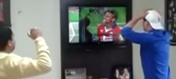 【ブラジル】サッカー愛が強すぎてテレビを破壊
