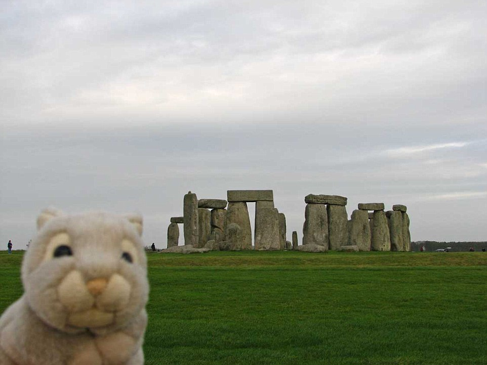 CUDDLY TRAVEL BUNNY IS STOLEN AFTER JOURNEY AROUND THE WORLD