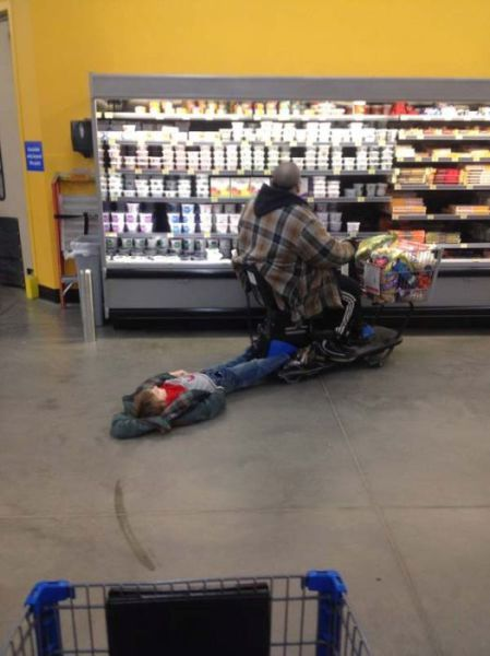 kids_who_hate_shopping_640_04