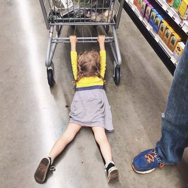 kids_who_hate_shopping_640_11