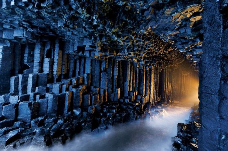 フィンガルの洞窟(スコットランド)