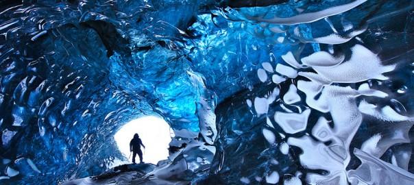 地球とは思えない!自然の神秘が生み出した世界の壮大な洞窟15選