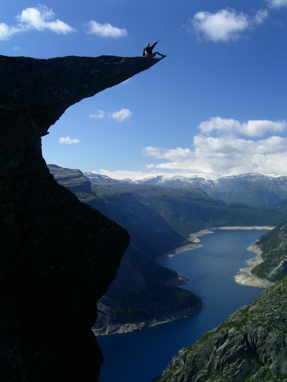 崖の上で撮った写真