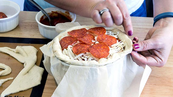 oh-yes-we-did-pepperoni-pizza-cake_07