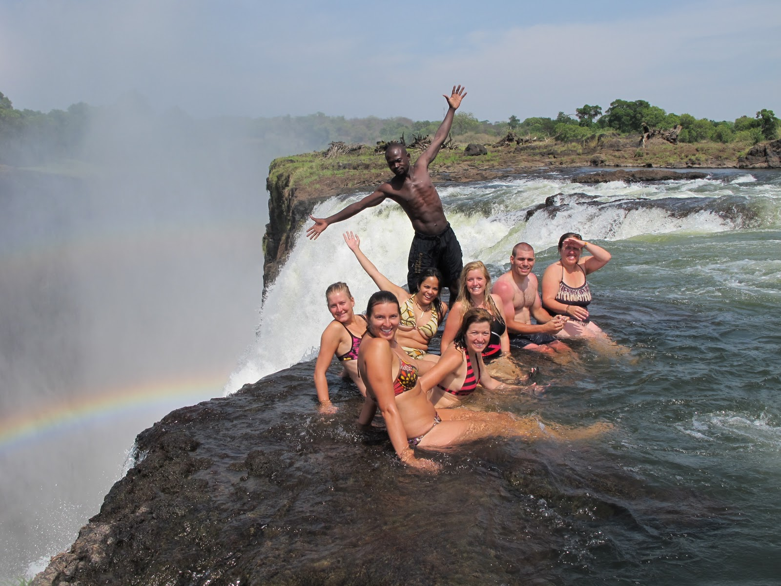 Devils_Pool_Victoria_Falls_Zambia-Zimbabwe_thesuiteworld