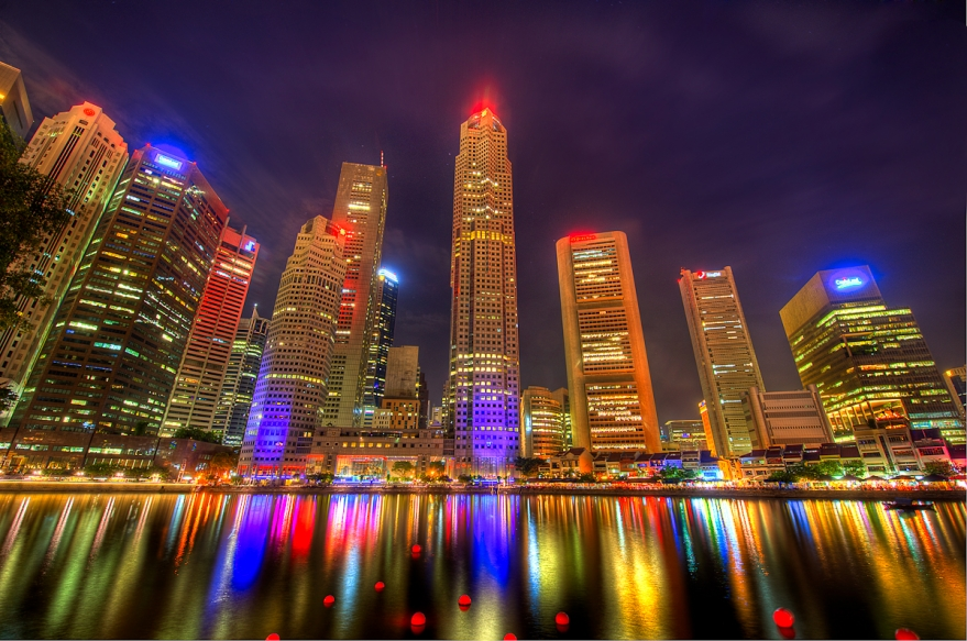 Colors-of-the-night-Singapore-Skyline(pp_w879_h583)