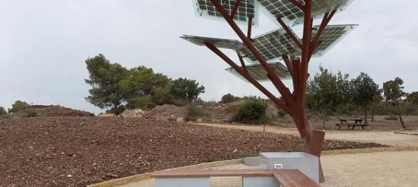 【次世代型の植林?】電気を生み出すエコツリーが誕生!