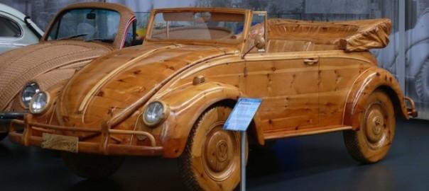 自動車まで彫った!木で作られた彫刻品が本物にしか見えない