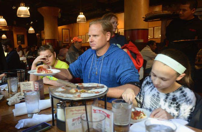 wallenda-chicago-pizza