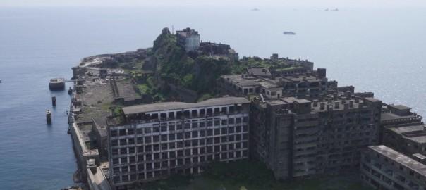 美しすぎる退廃美!4Kカメラを積んだドローンで撮影した「軍艦島」