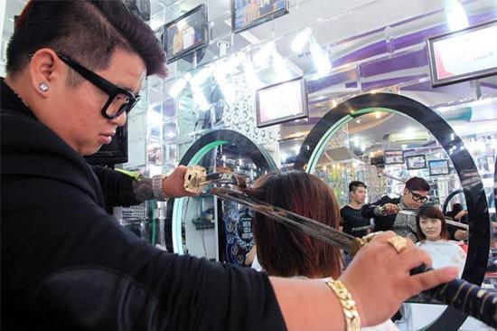 sword-hairdresser-550x366