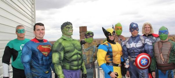 難病と戦う子どものために、病院にアメコミ・ヒーローたちがやってきた!【素敵なハロウィンエピソード】