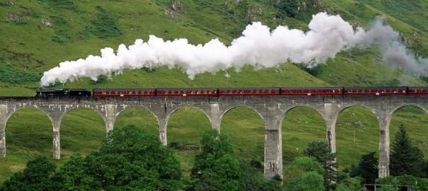 車窓から眺める絶景!世界にまたがる列車の旅17選